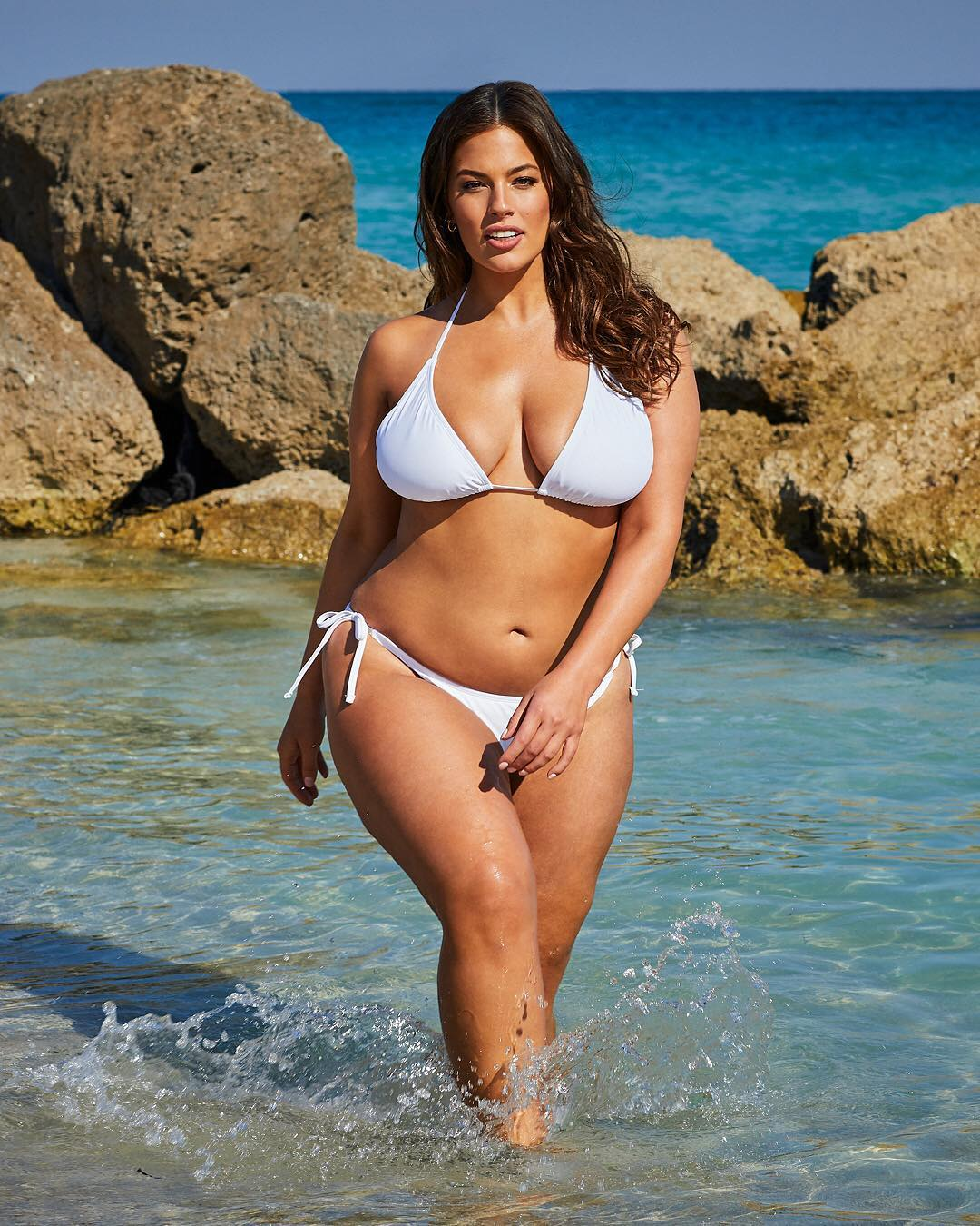 Modelo Plus Size Ashley Graham Anuncia Gravidez Do Primeiro