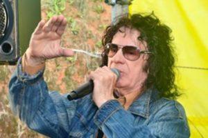 Leo Canhoto, da dupla com Robertinho, morre aos 84 anos