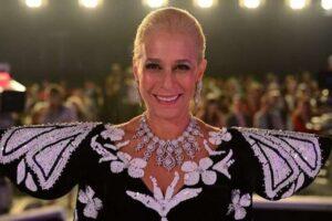 Andrea Beltrão desmente que ganhou joias da família de Hebe