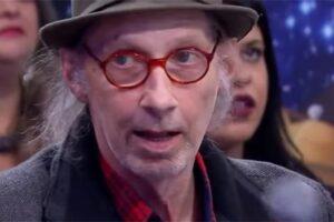 Produtor musical Arnaldo Saccomani morre aos 71 em SP