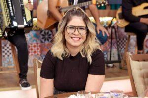 Marília Mendonça se retratará sobre fala transfóbica em live: 'Passei o dia todo refletindo'